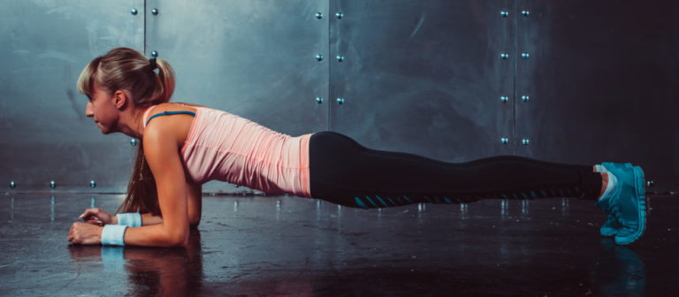 woman doing a plank.
