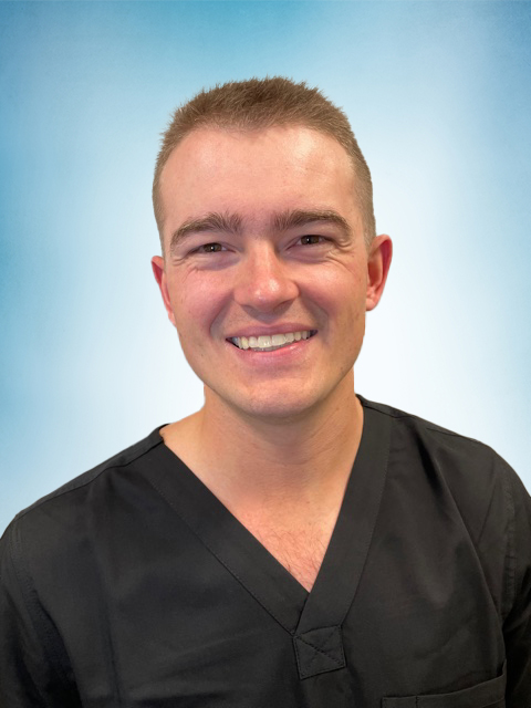 Headshot of Chase Duell PT, DPT, CSCS.
